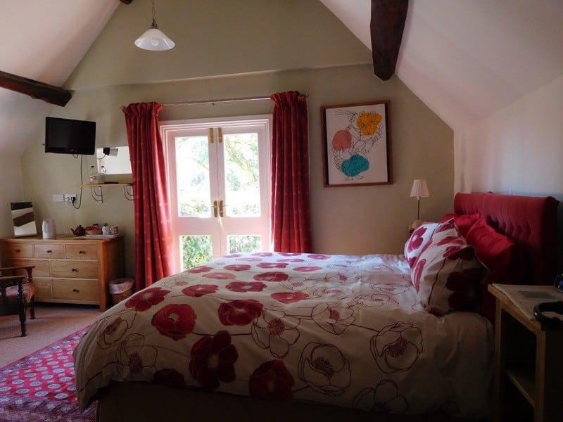 room 4 poppies